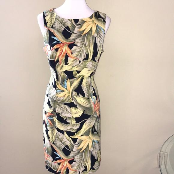 Dress Barn Dresses & Skirts - 🌿Tropical Stretchy Sleeveless Dress